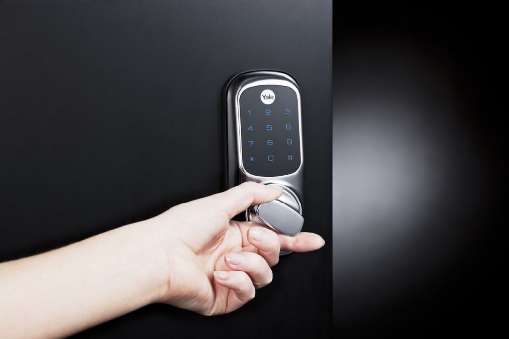 What's better – keyed locks or keyless locks?