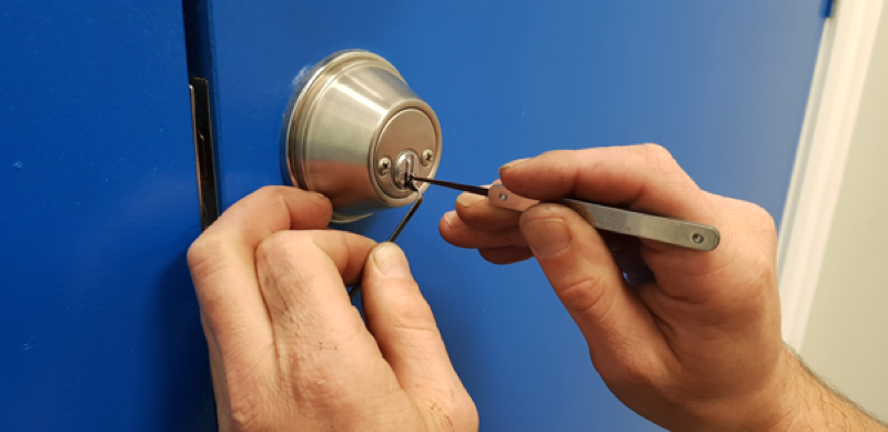 How much does a locksmith cost to unlock a house door in Melbourne, Australia? 1